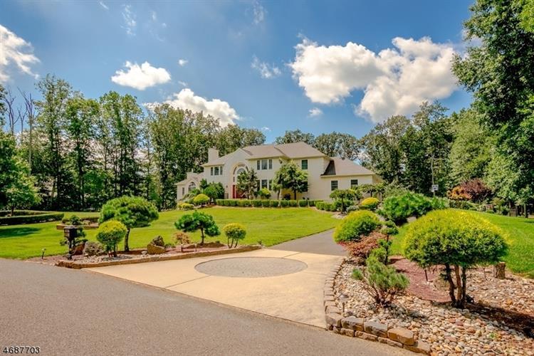 8 Stoney Brook Dr, Millstone Township, NJ - USA (photo 1)