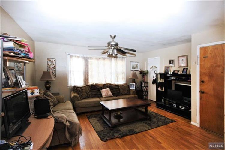 831 Secaucus Road, Jersey City, NJ - USA (photo 2)