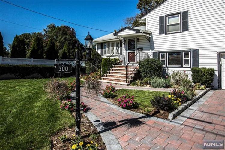 300 Mckinley Avenue, New Milford, NJ - USA (photo 2)