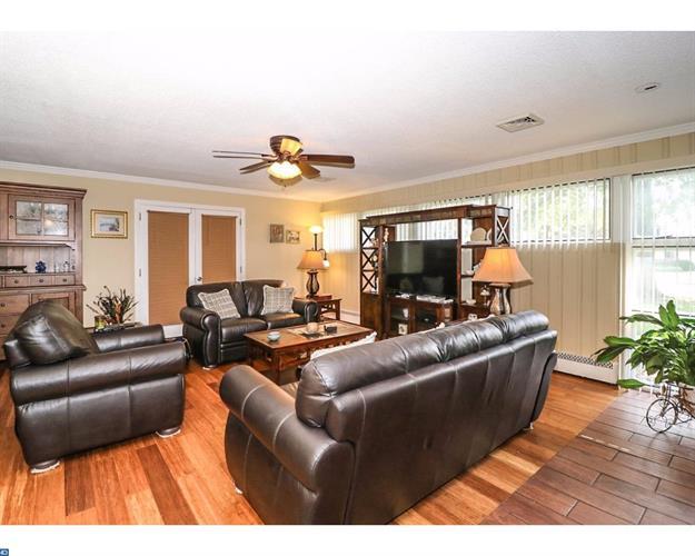 1 Manor Dr, Ewing Twp, NJ - USA (photo 4)