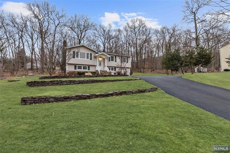 11 Ash Court, Ringwood, NJ - USA (photo 2)