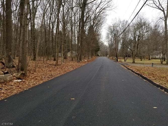 652 Valley Rd, Oxford, NJ - USA (photo 2)