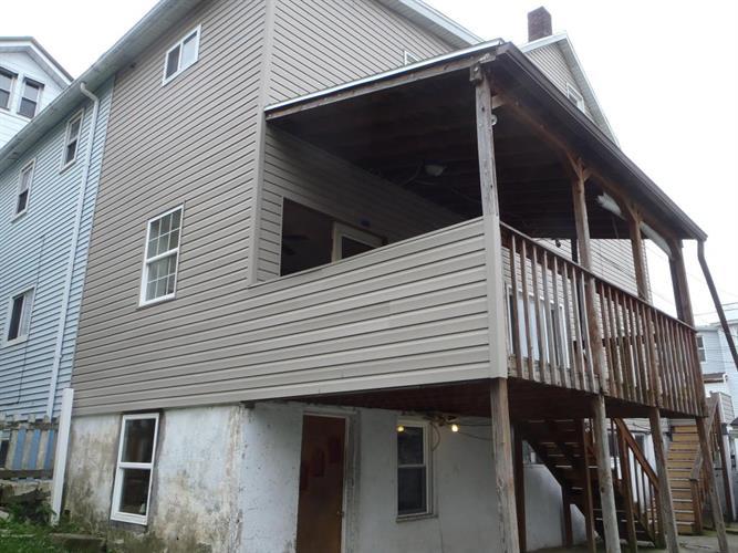 47 Leisenring, Lansford, PA - USA (photo 2)