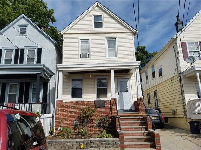 300 Ridgeley Street, Perth Amboy, NJ - USA (photo 1)