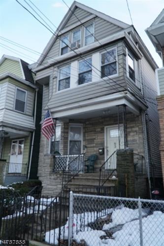 63 Wegman Pkwy, Jersey City, NJ - USA (photo 1)