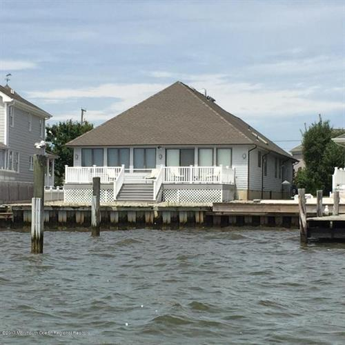 1719 Bay Boulevard, Point Pleasant, NJ - USA (photo 1)