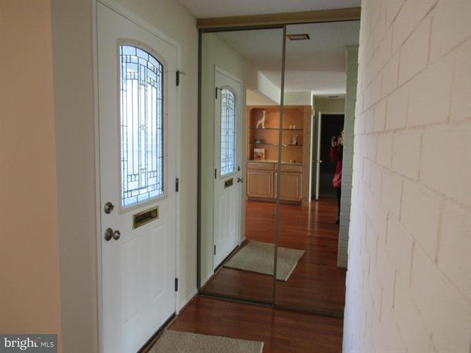 15430 Bramblewood Drive 22-b, Silver Spring, MD - USA (photo 5)