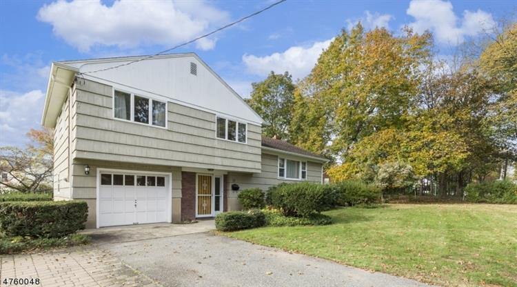 17 Mountainview Rd, Clark, NJ - USA (photo 1)