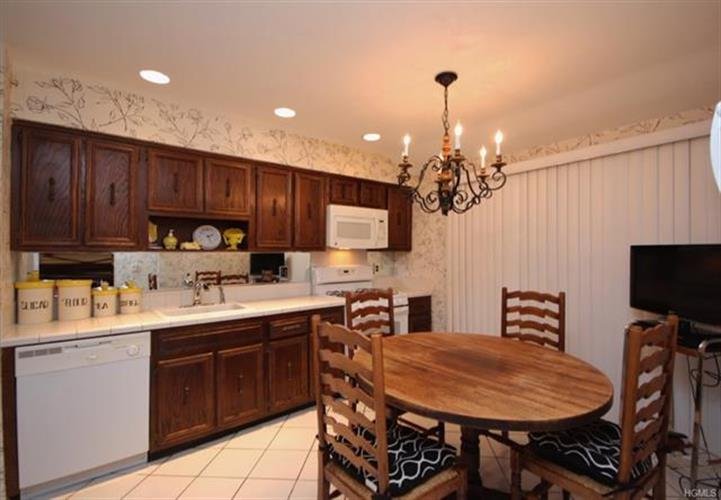 17 Haller Crescent, Spring Valley, NY - USA (photo 4)