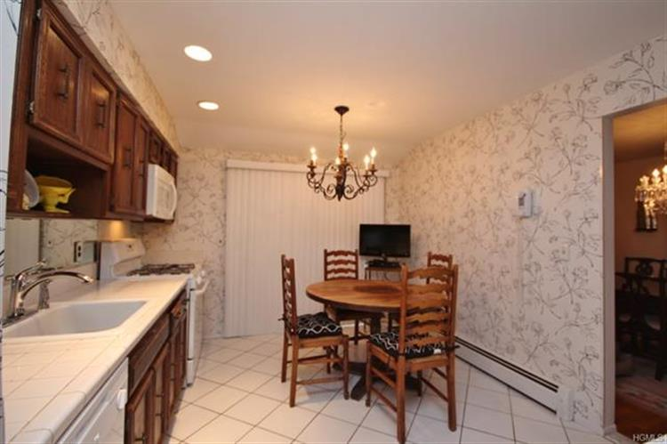 17 Haller Crescent, Spring Valley, NY - USA (photo 5)