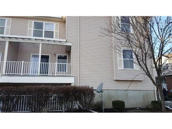 538 Great Beds Court 538, Perth Amboy, NJ - USA (photo 2)