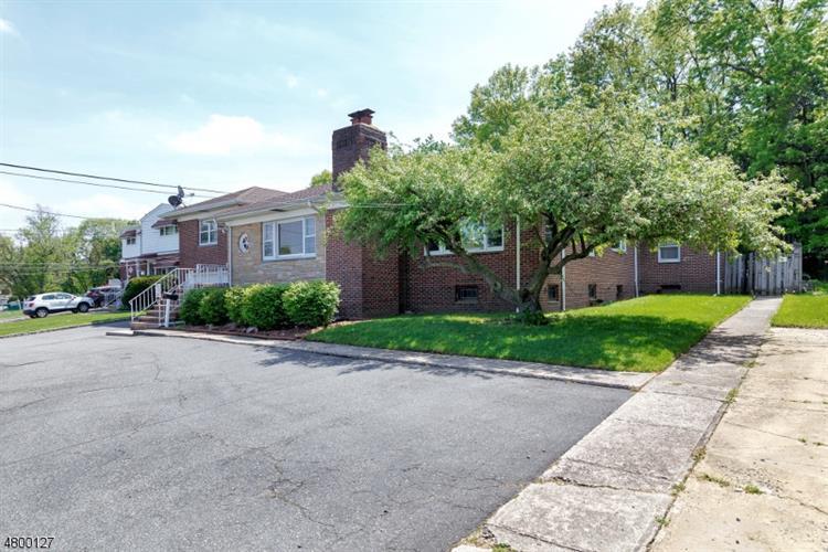 345 Division Ave, Belleville, NJ - USA (photo 3)