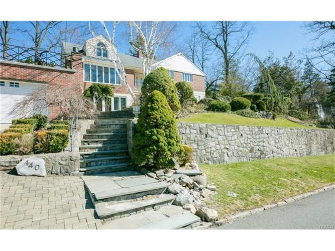 140 Lawrence Avenue, Eastchester, NY - USA (photo 2)