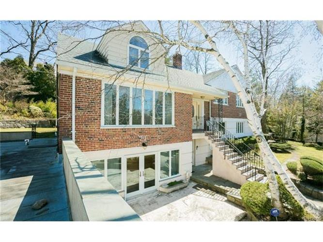 140 Lawrence Avenue, Eastchester, NY - USA (photo 4)
