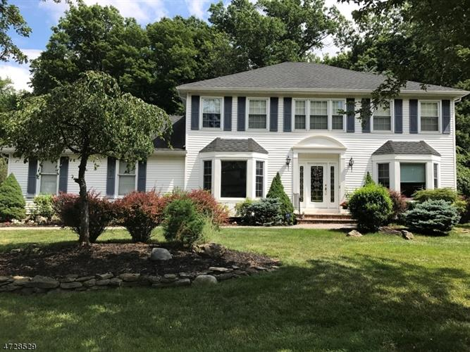 126 Timber Hill Dr, East Hanover, NJ - USA (photo 1)