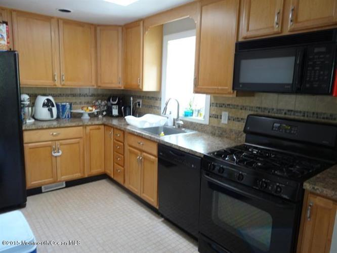 275 Monmouth Road, West Long Branch, NJ - USA (photo 4)