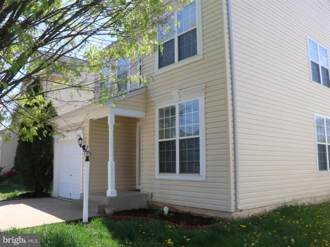 8946 Hanson Grove Court, Manassas, VA - USA (photo 2)
