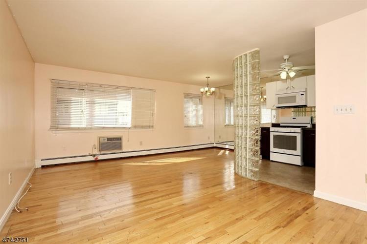 7000 Cottage Ave A107, North Bergen, NJ - USA (photo 2)