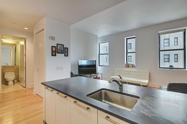 4 Beacon Way Apt #708, Jersey City, NJ - USA (photo 3)