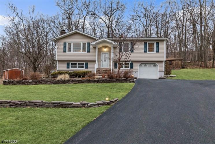 11 Ash Ct, Ringwood, NJ - USA (photo 1)