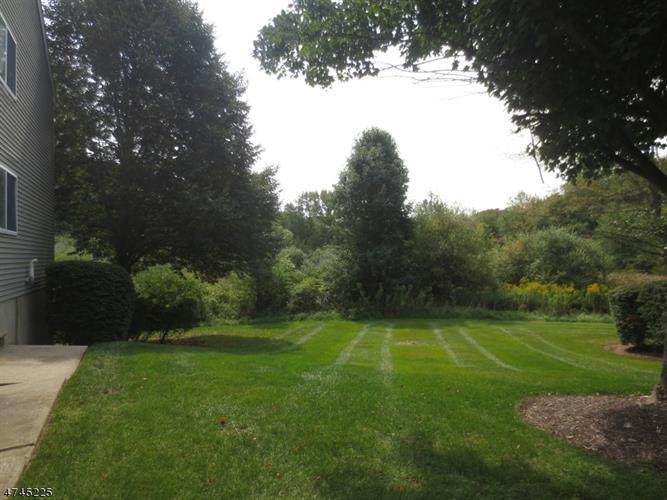 29 Meadow Pond Rd, Hardyston, NJ - USA (photo 2)