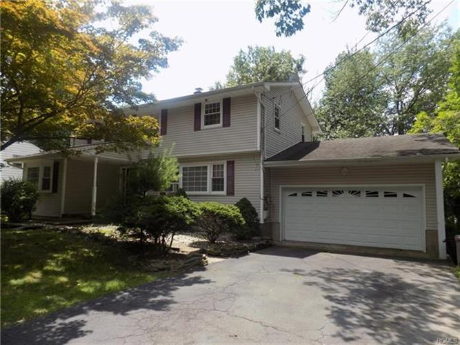 24 Monsey Heights Road, Airmont, NY - USA (photo 1)