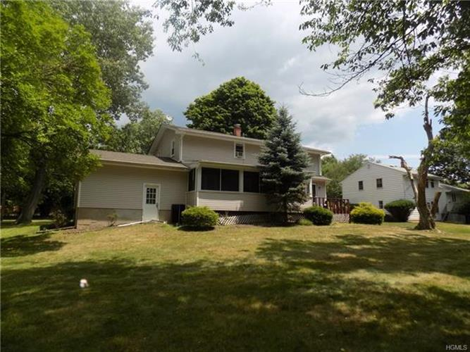 24 Monsey Heights Road, Airmont, NY - USA (photo 2)