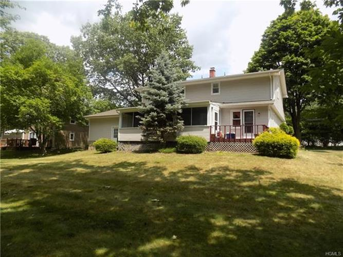 24 Monsey Heights Road, Airmont, NY - USA (photo 3)
