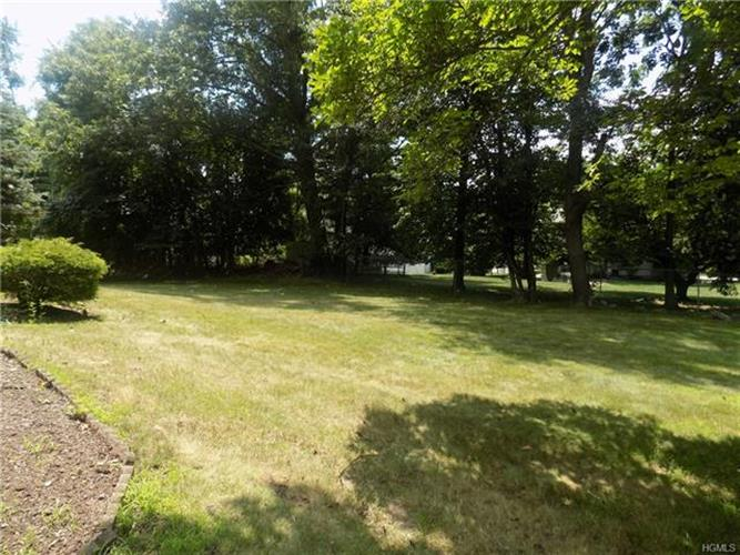 24 Monsey Heights Road, Airmont, NY - USA (photo 4)
