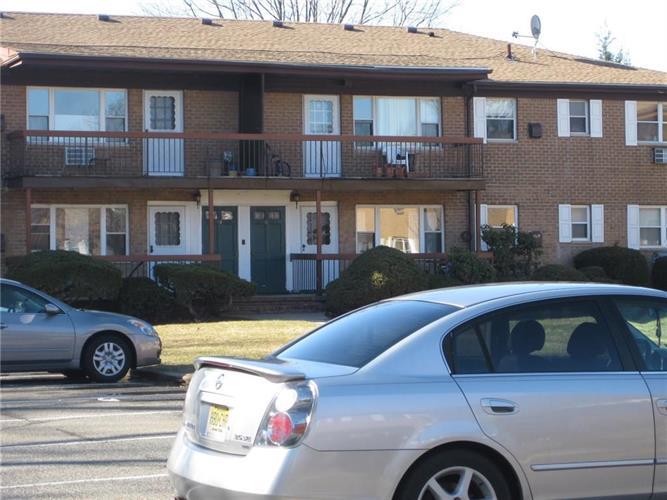 55 Gills Lane 70, Iselin, NJ - USA (photo 3)