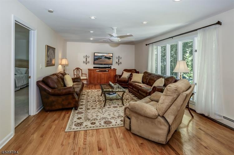 544 Naughright Rd, Township Of Washington, NJ - USA (photo 5)
