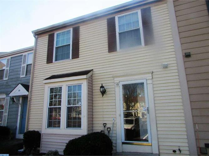 19 James Cubberly Ct, Hamilton, NJ - USA (photo 1)
