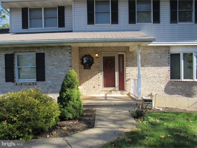 27 Chestnut Ridge Circle, Easton, PA - USA (photo 3)