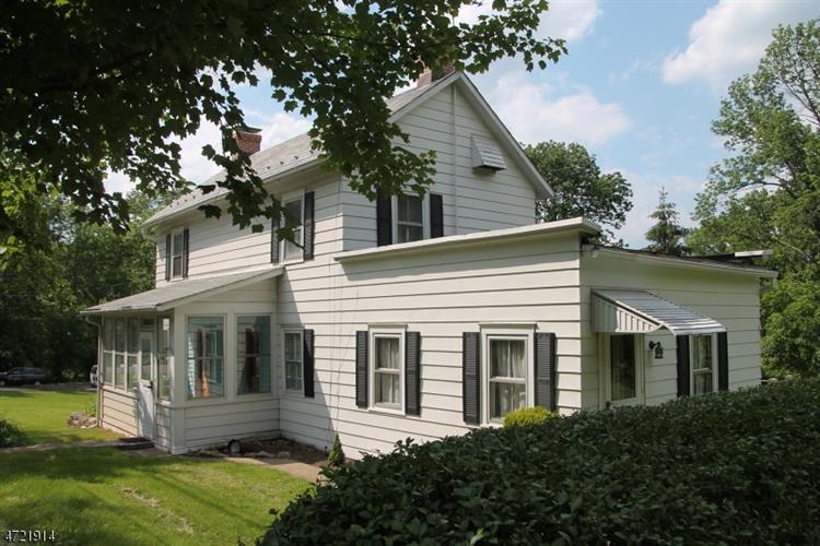 1010 Milford-warren Glen Rd, Holland Township, NJ - USA (photo 1)
