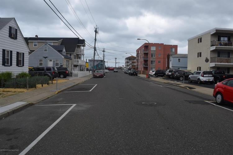52 Fremont Avenue B6, Seaside Heights, NJ - USA (photo 3)
