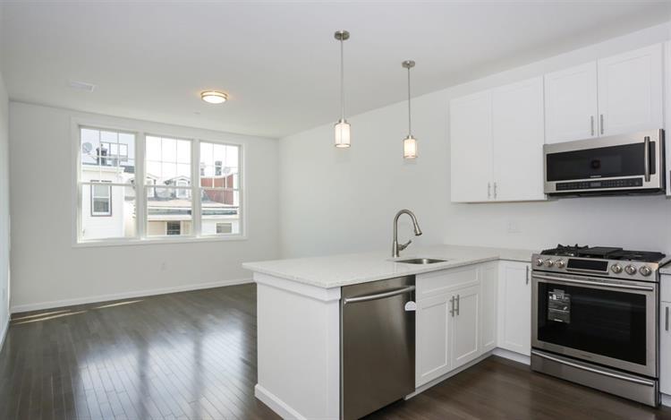 850 Newark Ave 3d, Jersey City, NJ - USA (photo 1)