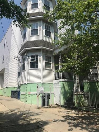 271 S 8th Street 1, Newark, NJ - USA (photo 2)