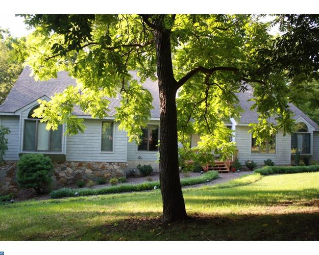 1047 Squire Cheyney Dr, West Chester, PA - USA (photo 2)