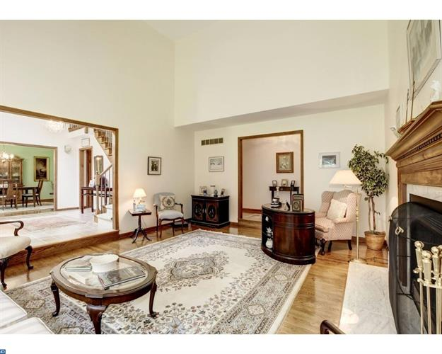 1047 Squire Cheyney Dr, West Chester, PA - USA (photo 4)