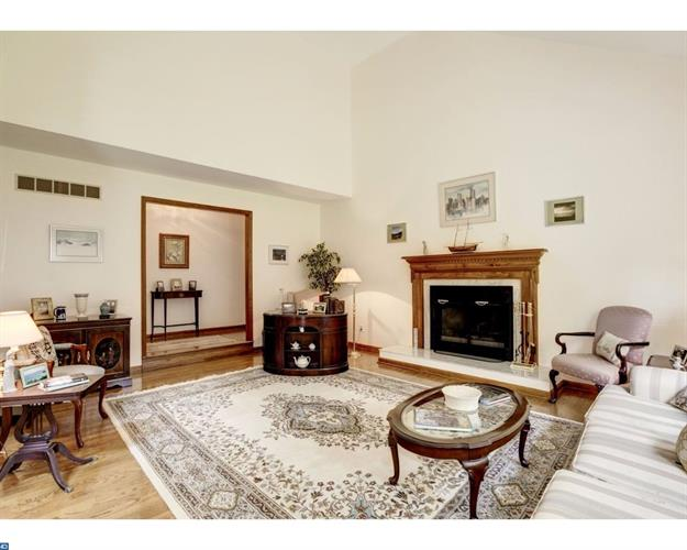 1047 Squire Cheyney Dr, West Chester, PA - USA (photo 5)