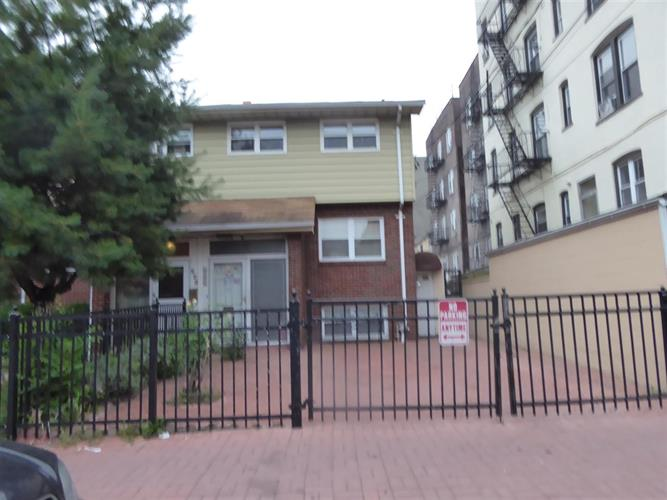 225 52nd St, West New York, NJ - USA (photo 1)
