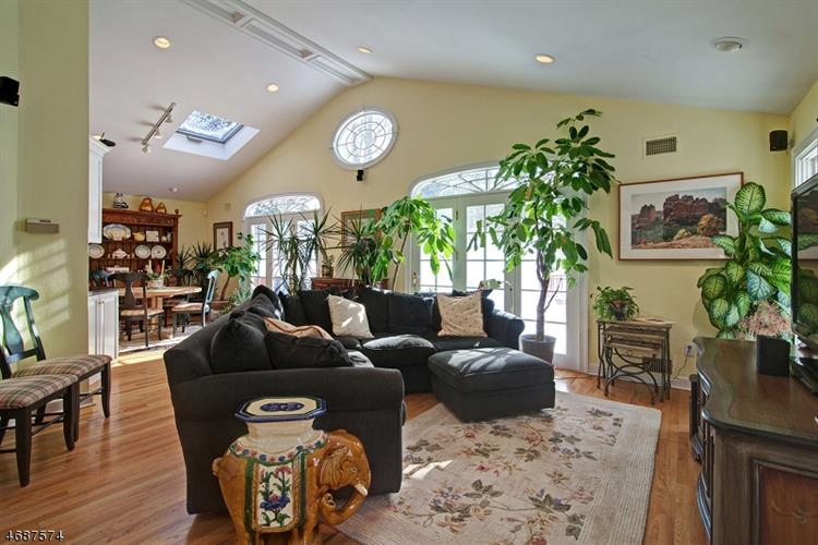 10 Brantwood Ter, Short Hills, NJ - USA (photo 4)