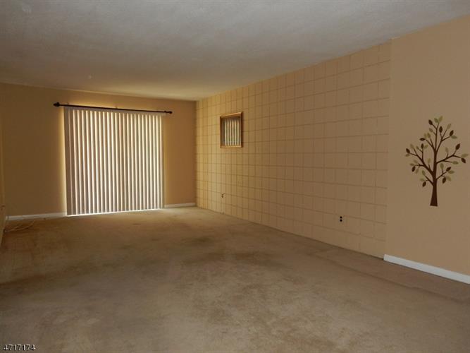 221 Ringwood Ave A20 20, Pompton Lakes, NJ - USA (photo 3)