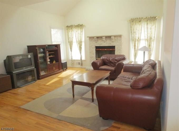 205 Readington Rd, Branchburg, NJ - USA (photo 4)