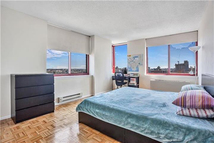 4-74 48th Avenue 15-j, Long Island City, NY - USA (photo 3)