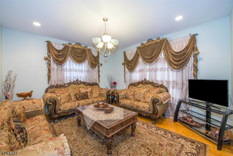 15 Donnalin Pl, Clifton, NJ - USA (photo 3)