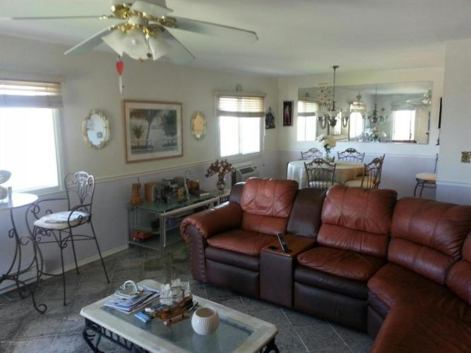 260 Ocean Avenue, Sea Bright, NJ - USA (photo 4)