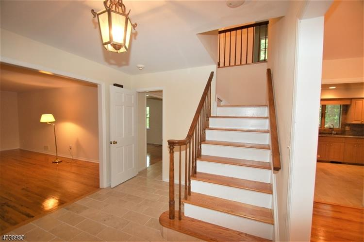 40 Sherwood Dr, Watchung, NJ - USA (photo 2)