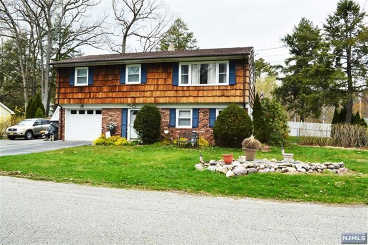 37 Spring Ave, West Milford, NJ - USA (photo 1)