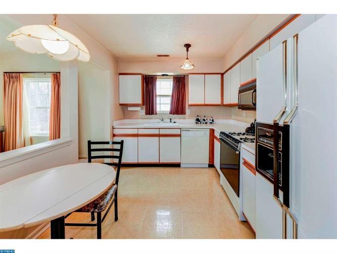 506 Barbados Dr, Monroe Township, NJ - USA (photo 4)